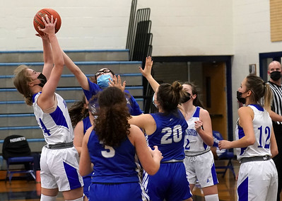 transfer-student-ferguson-making-immediate-impact-for-newington-girls-basketball
