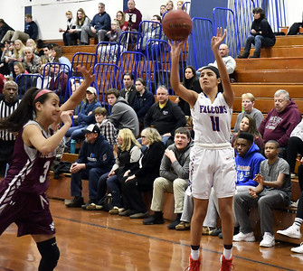 st-paul-girls-basketball-is-able-to-adjust-after-gonzalez-is-slowed-down
