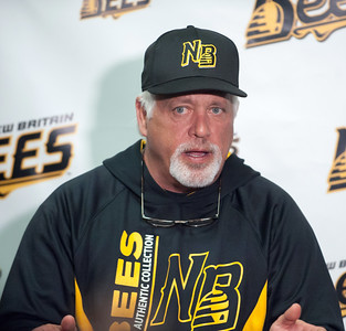 former-new-britain-bees-manager-backman-takes-same-position-with-long-island-ducks