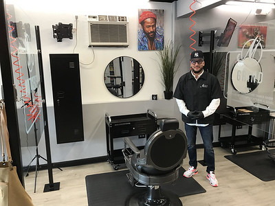 city-chamber-leaders-welcome-marvs-barber-shop-to-bristol