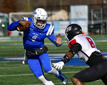 no-1819-ccsu-footballs-offense-making-necessary-plays-to-come-away-with-wins