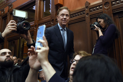 state-of-the-state-lamont-sees-uptick-in-connecticuts-fortunes