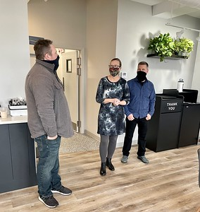 new-specialty-coffee-shop-with-food-items-baked-in-house-opens-on-farmington-avenue