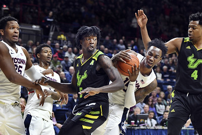 vital-bouknight-lead-uconn-mens-basketball-to-victory-over-south-florida
