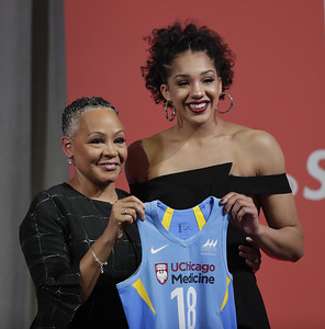 former-uconn-womens-basketball-standout-williams-goes-no-4-to-chicago-sky-south-carolinas-aja-wilson-is-top-pick