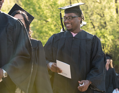 lincoln-college-graduates-ready-for-the-world-ahead