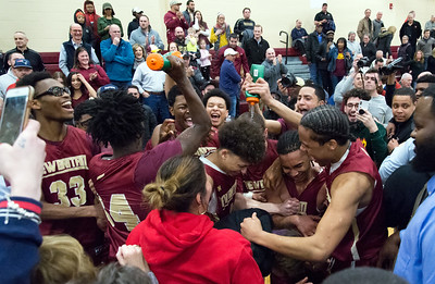 new-britain-boys-basketball-hits-late-free-throws-to-beat-glastonbury-seals-first-trip-to-state-title-game-since-2002