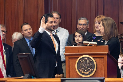 bizzarro-sworn-in-as-new-state-senator-for-6th-district