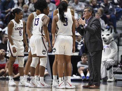 selection-show-will-be-suspenseful-for-change-as-uconn-womens-basketball-awaits-ncaa-tournament-seeding