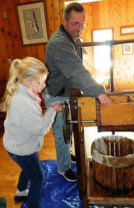 kids-become-cider-insiders-at-barnes-memorial-nature-center