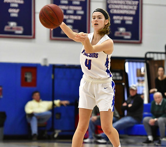 st-paul-girls-basketball-earns-seventh-straight-win-in-close-game-against-ansonia