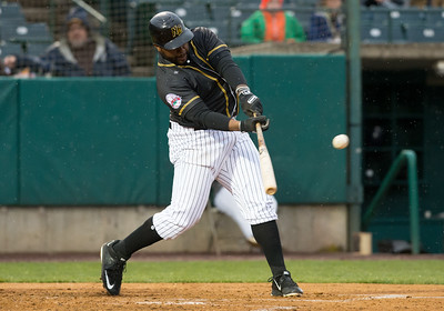 new-britain-bees-rained-out-sunday-against-southern-maryland-blue-crabs-after-splitting-saturday-twinbill