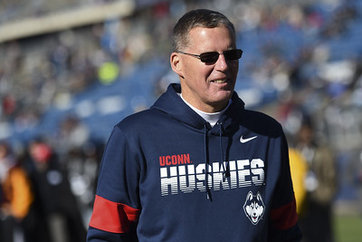 uconn-gives-contract-extensions-to-coaches-hurley-edsall