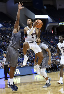 adams-leads-uconn-mens-basketball-to-comeback-ot-victory-over-monmouth