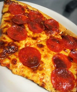 tonys-central-pizza-staying-afloat-without-ccsu-students