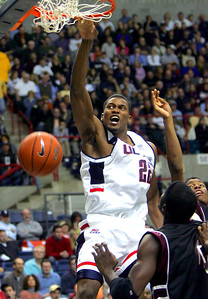 remembering-the-top-dunkers-in-the-history-of-uconn-mens-basketball