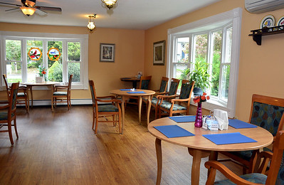 shady-oaks-is-a-cozy-caring-assisted-living-center