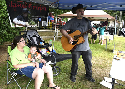 second-weekly-bristol-farmers-market-opens-on-federal-hill-green