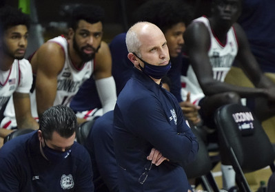 uconn-mens-basketball-continues-to-struggle-with-free-throws