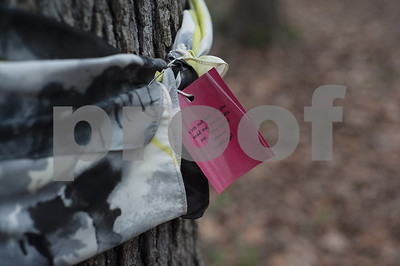 free-scarves-available-to-cold-runners-on-a-rose-rudman-trail