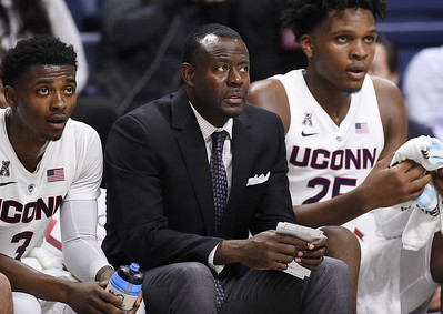 uconn-mens-basketball-assistant-coach-hunter-returns-from-medical-leave