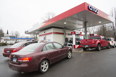 gas-prices-drop-for-first-time-since-thanksgiving-cheapest-spots-for-gas-in-area