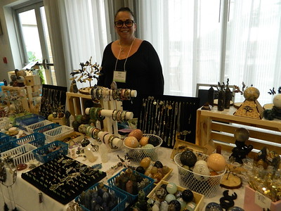 holistic-community-comes-together-for-expo
