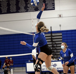 plainville-girls-volleyball-finishes-season-with-fourset-loss-to-avon