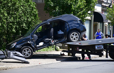 woman-injured-in-suv-accident-in-southington