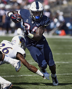 uconn-football-will-try-to-get-by-with-twoman-back-field-this-season