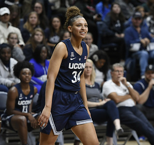 uconns-women-basketball-sophomore-forward-gordon-plans-to-transfer