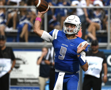 ccsu-quarterback-dolegala-signs-rookie-free-agent-deal-with-cincinnati-bengals
