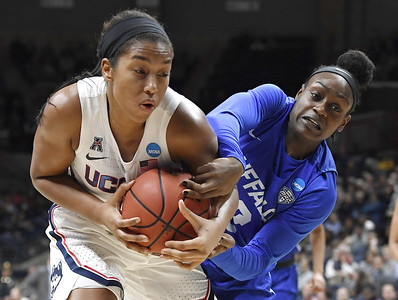 uconn-womens-basketball-advanced-to-the-sweet-16-but-huskies-not-thrilled-with-level-of-play