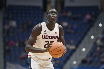circumstances-have-put-celebrated-2019-uconn-mens-basketball-recruiting-class-behind-schedule