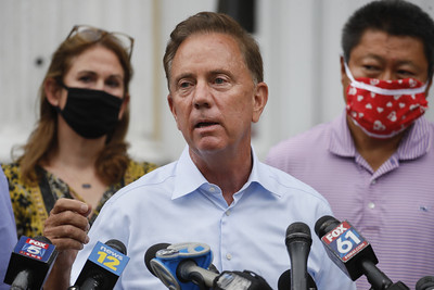 connecticut-to-lift-most-mandates-on-businesses-outdoors-indoor-mask-wearing-remains