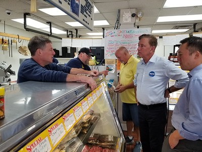 dem-candidates-visit-west-end-businesses