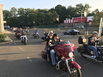 parade-participants-show-support-for-local-police
