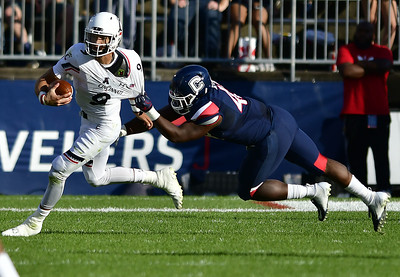 uconn-football-to-set-national-records-for-defensive-futiltiy