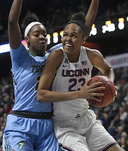 samuelson-leads-uconn-womens-basketballs-rout-of-tulane-in-quarterfinals-of-aac-tournament