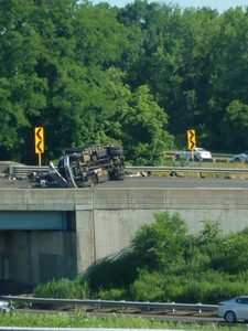 truck-rollover-snarls-route-72-i84-in-plainville