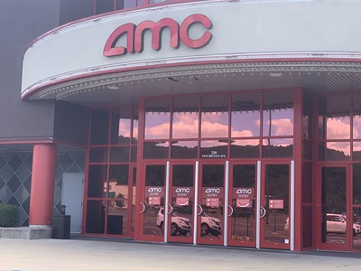 moviegoers-return-to-the-big-screen-as-amc-in-plainville-reopens