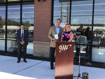 ribbon-cut-at-southington-aaa-branch-first-in-state-to-offer-auto-repair-on-site