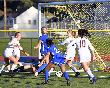 southington-girls-soccer-shuts-out-farmington-thanks-to-acrobatic-save-dominant-ball-possession
