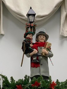 unique-gifts-holiday-decorations-at-the-bristol-historical-societys-craft-fair-saturday