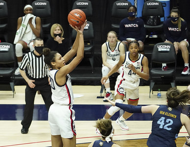 uconn-women-heating-up-heading-into-postseason