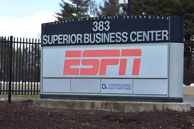espn-parent-company-moves-closer-to-buying-fox