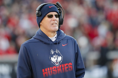 uconn-football-loses-two-of-its-2020-opponents