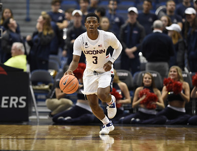 gilberts-competitive-nature-standing-out-for-uconn-mens-basketball-in-preseason-workouts