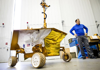 nasa-researchers-working-on-lunar-rover-mini-science-lab