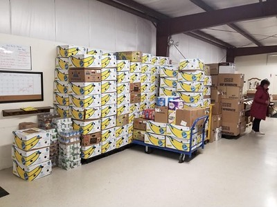 plainville-church-begins-its-annual-food-drive-at-gnazzos
